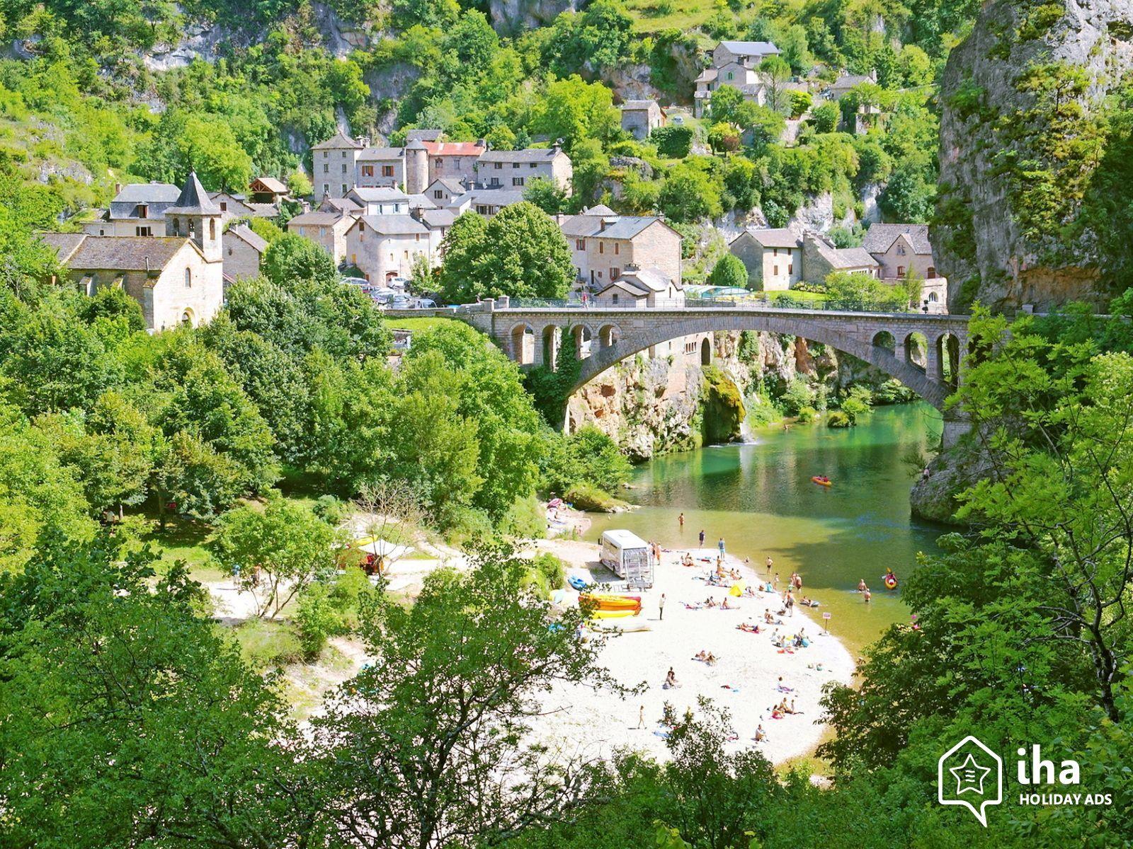 Sainte-enimie-Il-villaggio-di-saint-chely-du-tarn-in-prossimita